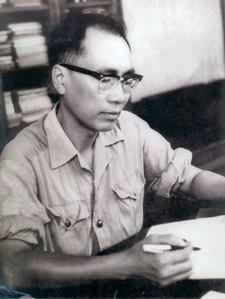 Hãy giới thiệu về nhà thơ Chính Hữu và bài thơ Đồng chí