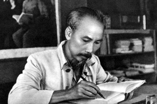 Tuyên ngôn Độc lập thể hiện phong cách nghệ thuật của Chủ tịch Hồ Chí Minh